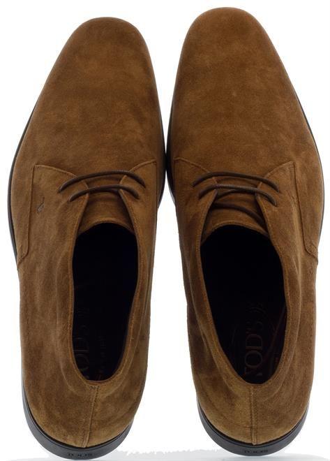 TOD'S | Deze prachtig bruin suède schoenen van Tod's staan prachtig onder elke outfit. Shop ze door op de foto te klikken!  #Tods #shoes #schoenen #klassiek #classic #menwithstyle #fashioninspiration #outfitinspiration #italianshoes #footwear