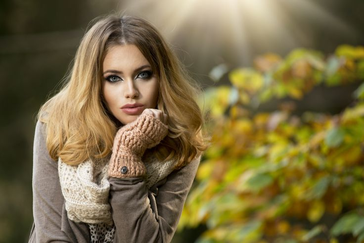 Beautiful elegant woman in park - autumn by artur k on 500px