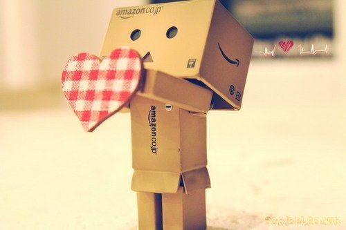 The Cute Symbol of Amazon,which is a cute little box character ...