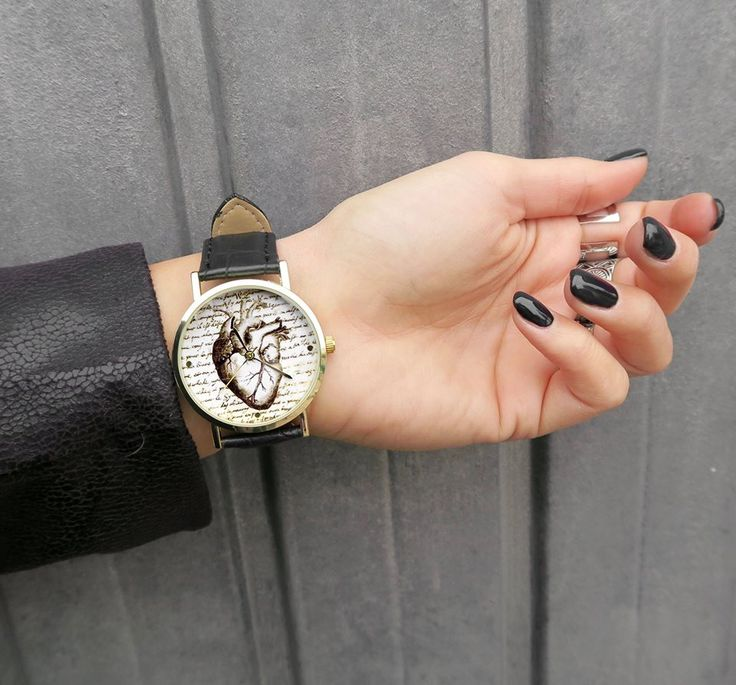 WOODSTOCK NEW COLLECTION! Take your favorite watch and express yourself with Woodstock Watches! Shipping available in all European Countries in 3/5 working days! 📮 Discover our collection at: https://www.woodstockzambon.com 📮 Instagram: https://www.instagram.com/woodstockzambonvalentina/ #woodstockzambon #woodstockwatch #style #streetstyle #vintage #heart #spring2017 #summer2017 #cuorevintage #freetime