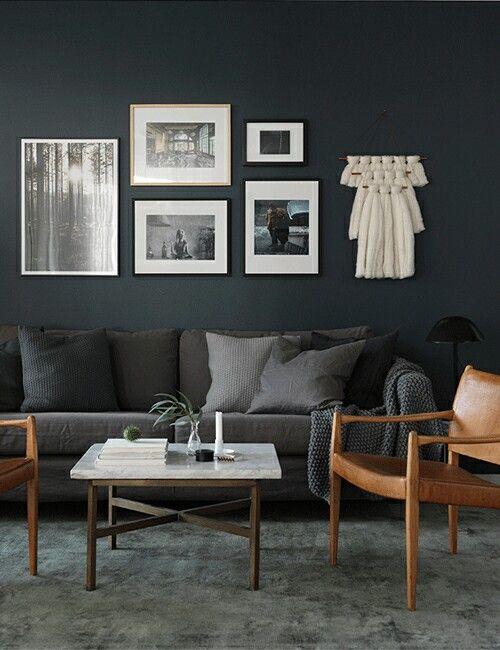 Grå soffa grå vägg