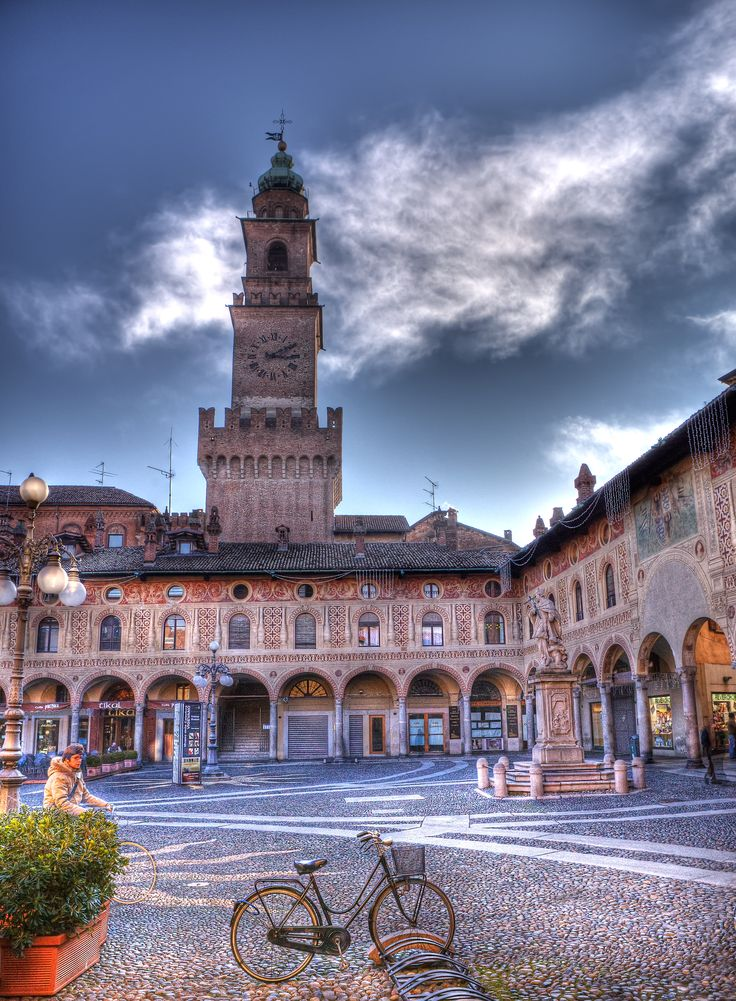 Piazza Ducale, Vigevano, Italy. http://traveloxford.blogspot.com/2014/02/piazza-ducale-vigevano-italy.html