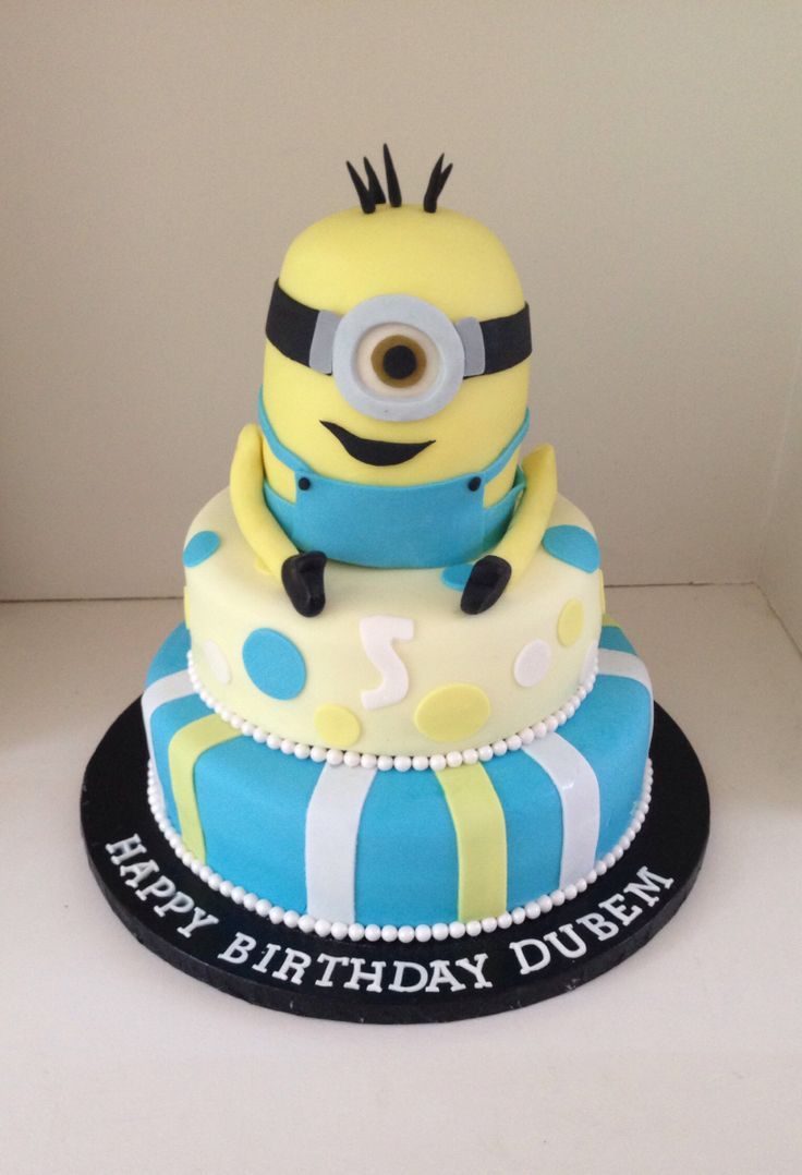 Despicable Me, minion birthday cake by www.boutiquebakehouse.co.uk