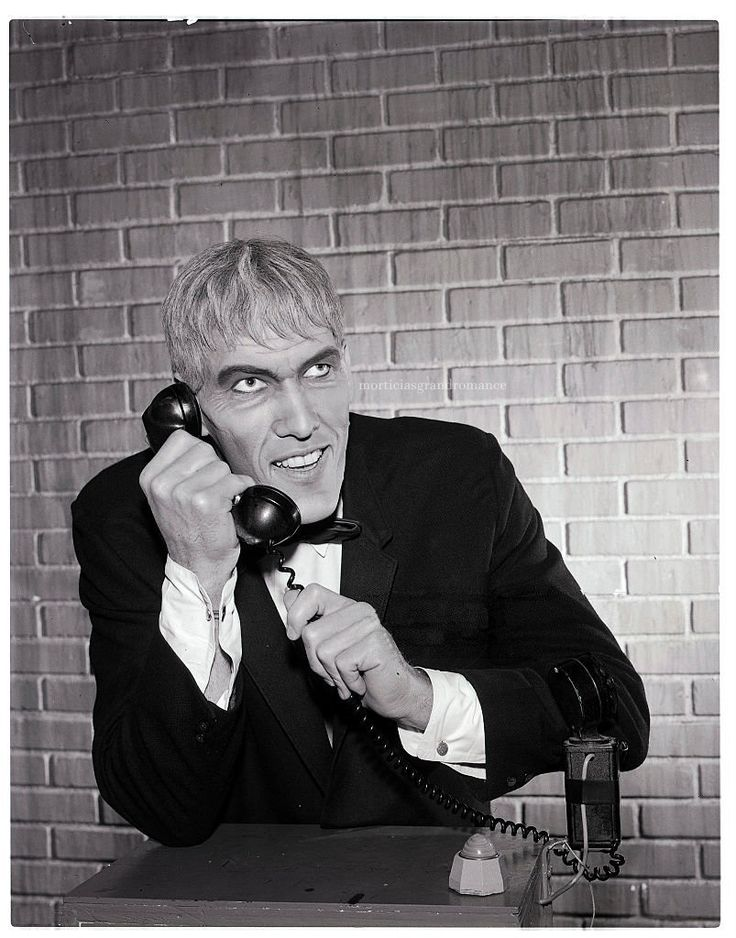 Great behind-the-scenes photo of Ted Cassidy from The Addams Family, 1964