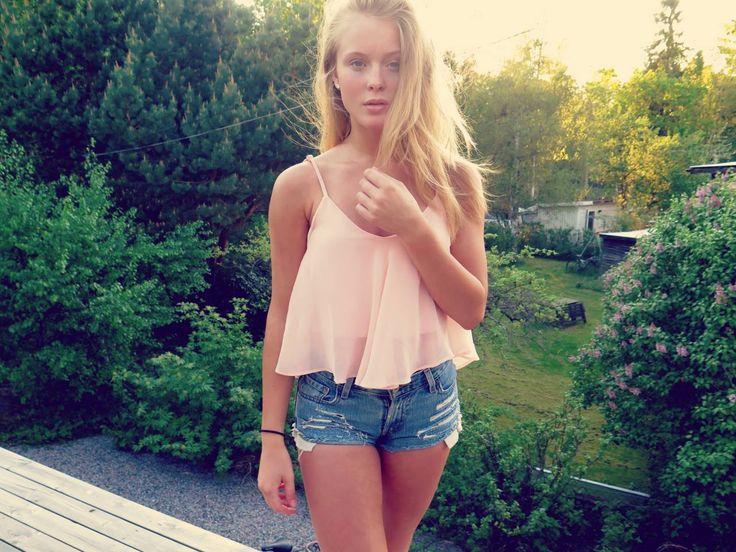 topp blond små nära Stockholm