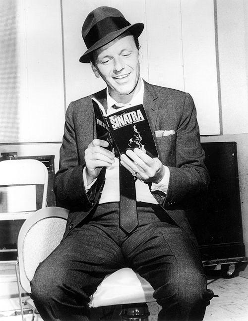 schoen-ists-spass-machts:  francisalbertsinatra: Frank Sinatra reads a biography of himself, 1962