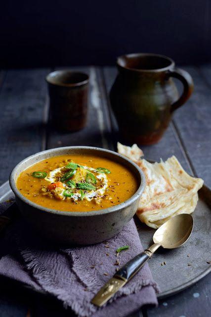 Soupe de lentilles indienne et épicée aux légumes