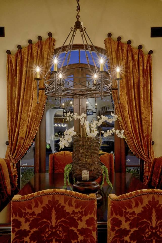 Tuscan dining room old world mediterranean italian for Tuscan dining room