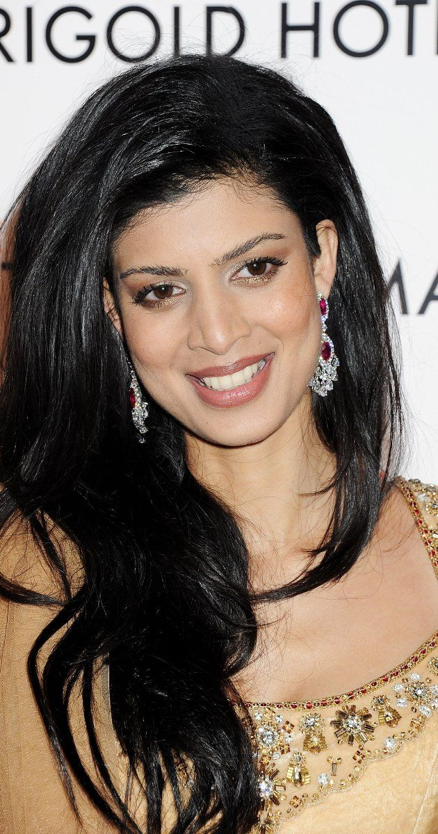 Tina Desai, Actress: The Best Exotic Marigold Hotel. Tena Desae is a model turned actress who debuted in Bollywood with Yeh Faasley & will be seen in upcoming film Sahi Dhandhe Galat Bandhe. The Bengaluru born model first came into limelight when she participated in Reality show Get Gorgeous.Though she did not win the contest she was offered a contract with Elite Model India Management Private Limited which powers the reality show ,even before the ...