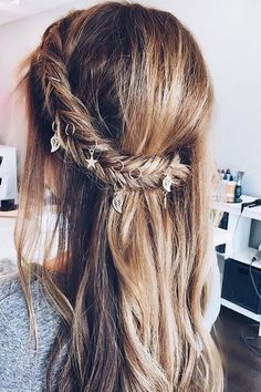 Monday hair inspo: Add some charms or hair rings to your Fishtail braid for a beautiful boho vibe! Who's going to try this? @braidinglife