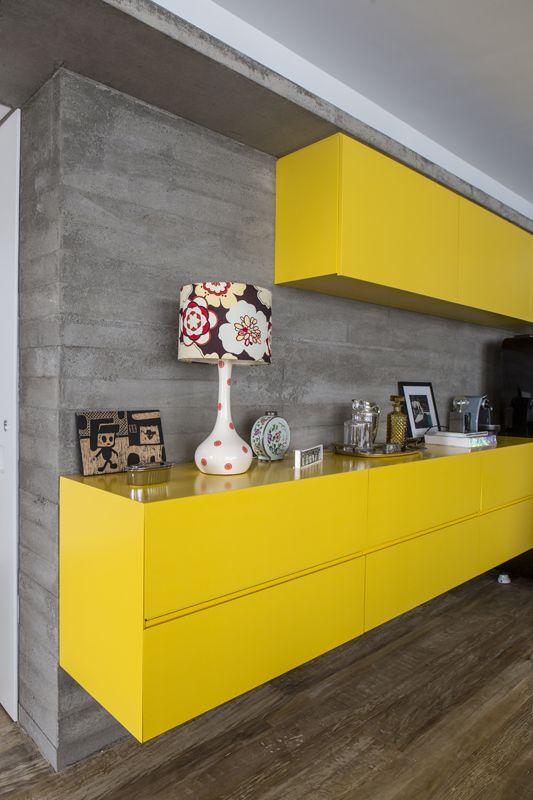 Apartamento em Higienópolis / Gil Mello e Fernanda Neiva #yellow #concrete