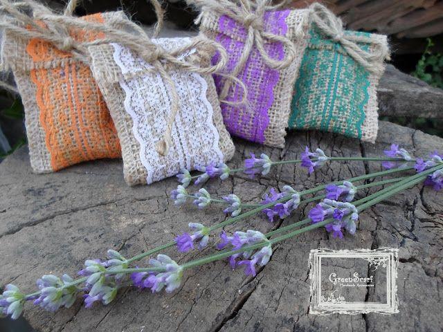 Burlap and lace  lavender mini sachets  Saculeti cu lavanda din iuta si dantela