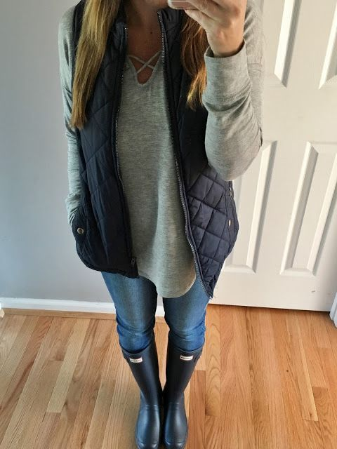 navy fall vest and hunter boots outfit stitch fix inspiration