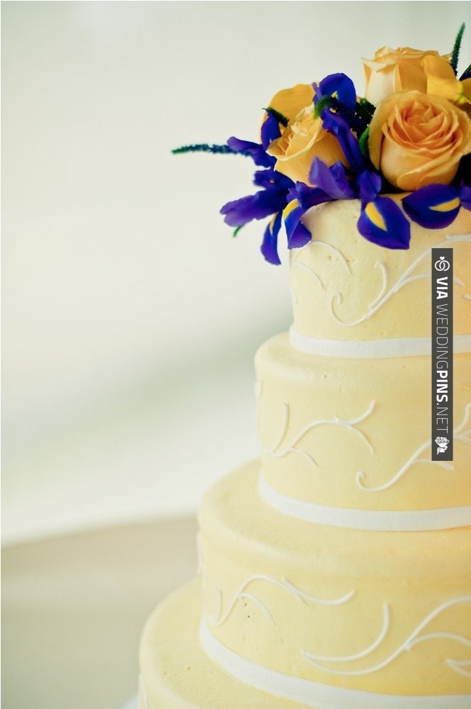 Elegant yellow and indigo wedding cake | CHECK OUT MORE IDEAS AT WEDDINGPINS.NET | #weddingcakes