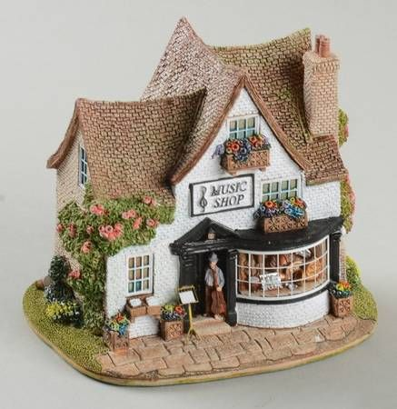 I desperately want the music shop! What a sweet little cottage. Lilliput Lane English Cottages.