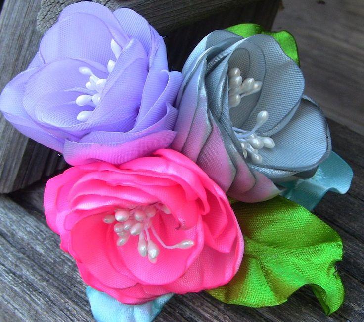 D.I.Y. Rosas de fitas com duas camadas e Pistilhos  -- Ribbon flowers