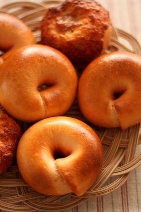 「濃〜い!トマトベーグル♪」あいりおー | お菓子・パンのレシピや作り方【corecle*コレクル】