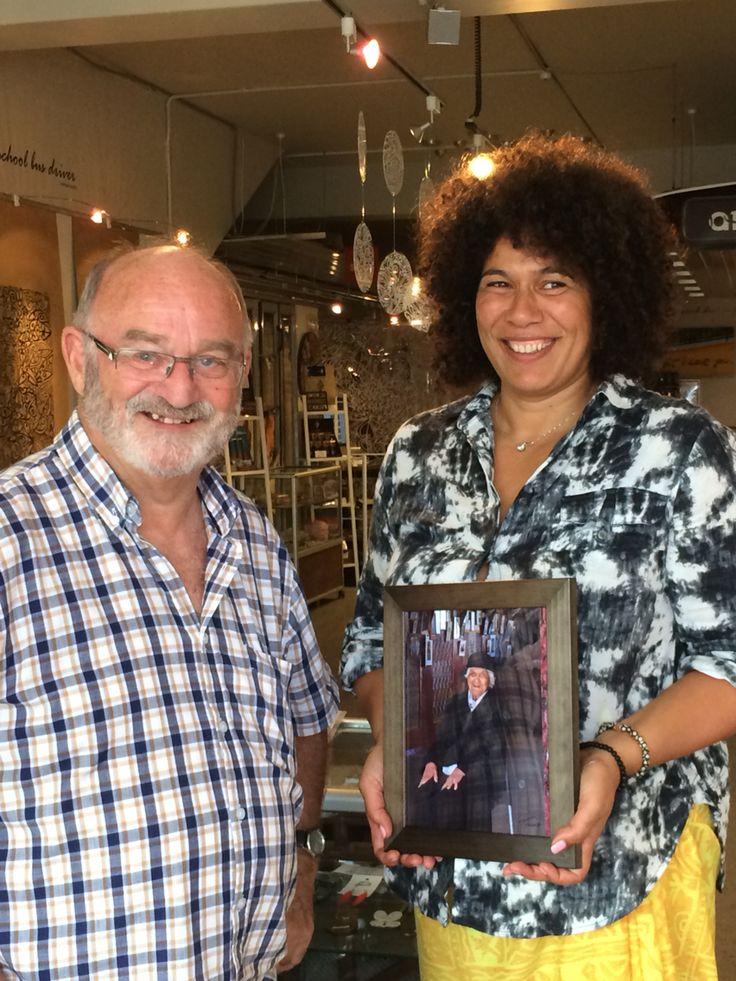 Bob Tulloch gifts a photo of Kui Hinemotu