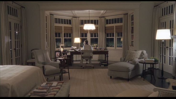 I fell in love with the beach house in the movie Somethings Gotta Give and even more so with her bedroom and writing area. One day...