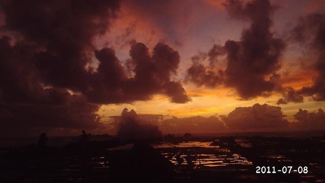 Sunset di  Pantai Tanjung Layar, Desa Swarna, Banten-Indonesia