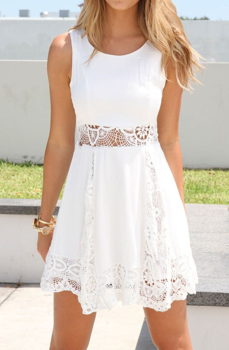 I love this dress! Other summery colors like blue or pink, would be cute, too. Great for a day at a wine festival!