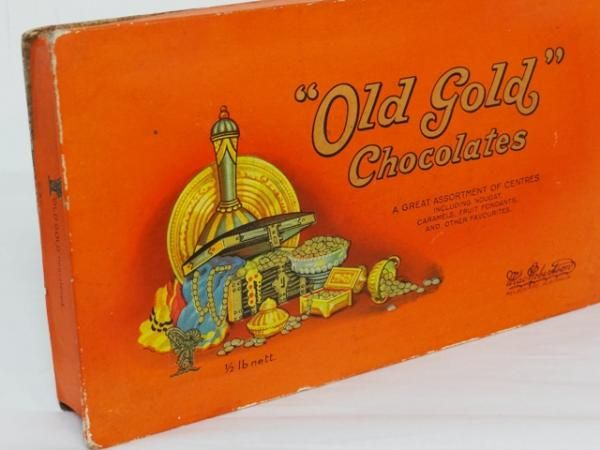 MacRobertsons OLD Gold Vintage Chocolates Half 1lb NET. MacRobertson Chocolates put on the MacRobertson Melbourne Centenary Air Race from UK to Australia in 1934. A Douglas DC-2 came in second.