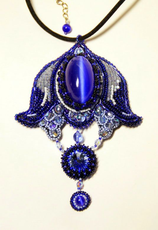 Amazing alive brooches by Lubov | Beads Magic