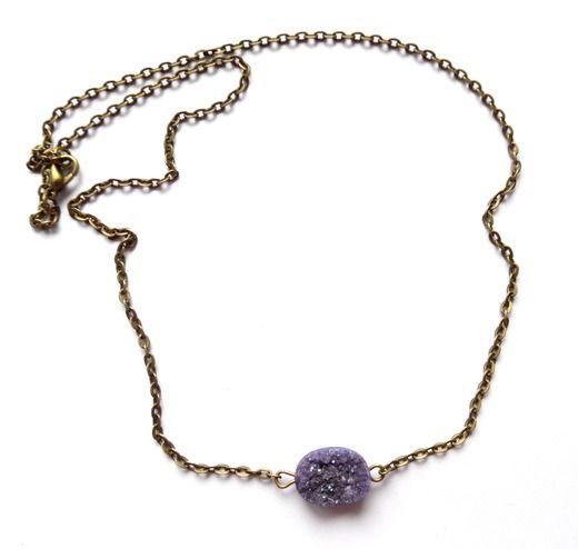 Halsband med lila druzy agat