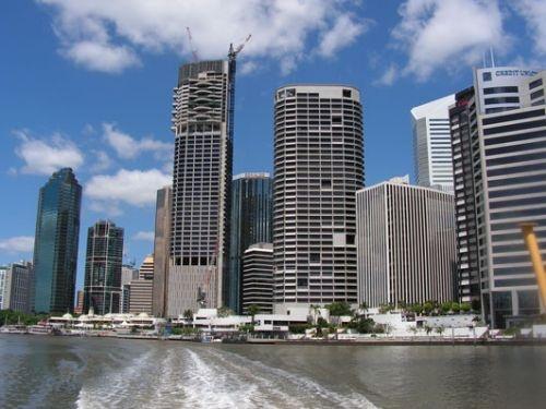 Brisbane centrum gezien vanaf de CityCat. Camperreis Down Under/Australië. 2005.