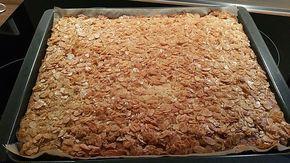 Mandelkuchen vom Blech, ein tolles Rezept aus der Kategorie Kuchen. Bewertungen: 15. Durchschnitt: Ø 4,4.