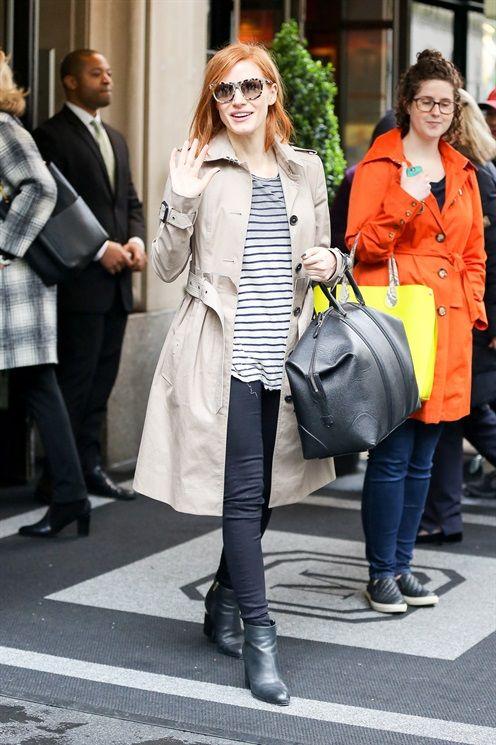 Chanel smalto: le unghie dell'estate si ispirano alle maglietta a righe da marinaio - Vogue.it