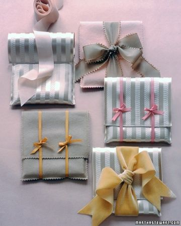 DIY:: 45 Gift wrapping Ideas (Lace, Doily,Silk, Linen,Satin,Burlap | http://giftsforyourbeloved.blogspot.com