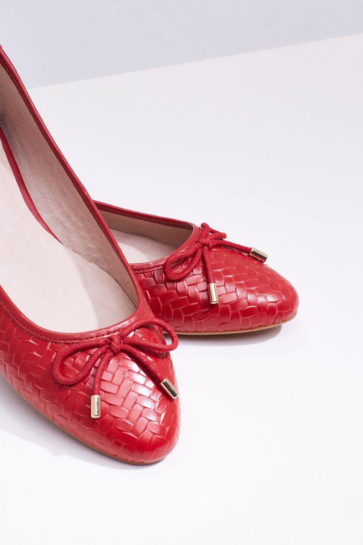 Bailarina trenzada | Zapatos | Cortefiel 70€