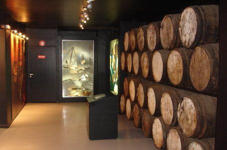 SAINT PIERRE La Saga du Rhum : Musée - Distillerie Isautier - sucrerie - Ile de La Réunion Tourisme