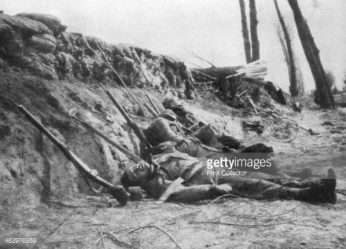French Zouave infantry killed by gas, Second Battle of Ypres,... #ieper: French Zouave infantry killed by gas, Second Battle of… #ieper