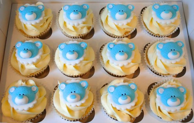 Christening Cupcakes with Teddies