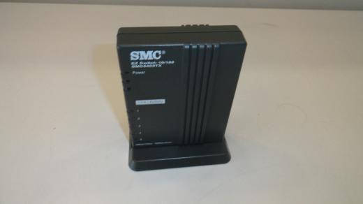 Xx2: Smc Smc6405tx Ez Switch 10/100 5-port Network