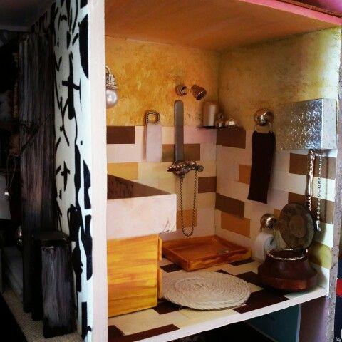 Dollhouse in progress,bathroom....