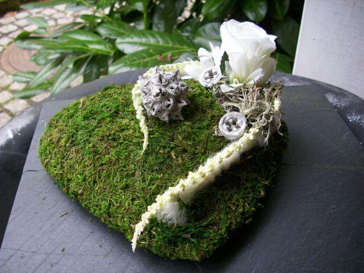 Grabschmuck MOOSHERZ Rose Weiss Naturmaterial Allerheiligen | Möbel U0026  Wohnen, Dekoration, Außen  U0026