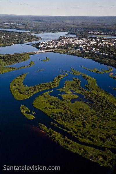 Rovaniemi in Lappland während des Sommers aus der Luft