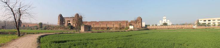Finest caravanserai along the Grand Trunk Road / NH 1. Sarai at Doraha
