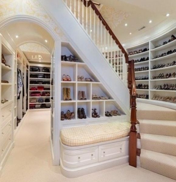 now we're talking shoe closets