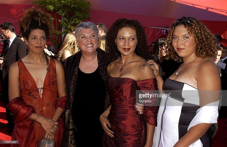 Tyne Daly and her daughters