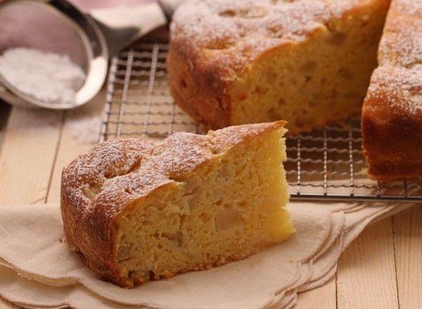 350 grammi di Ricotta 400 grammi di Pere Abate 250 grammi di Farina di frumento 170 grammi di Zucchero 16 grammi di Lievito per dolci 3 Uova 1 Buccia di limone, grattugiata 0.5 grammo di Vanillina