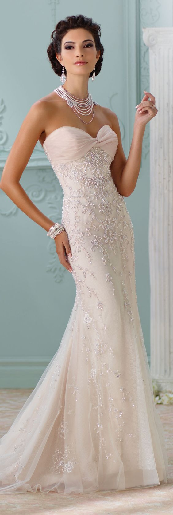 photo robe de mariée créateur pas cher 137 et plus encore sur www.robe2mariage.eu