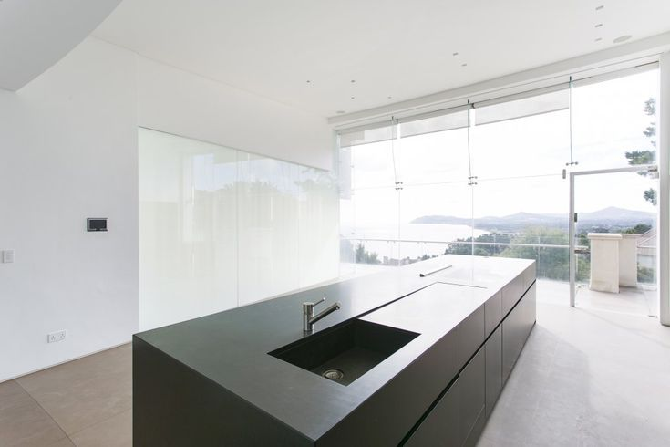 Minotti kitchen, Paddock Wood, Killiney, Dublin. House design by Conroy Crowe Kelly Architects www.cck.ie