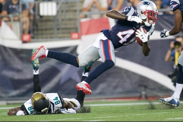 New England Patriots cornerback Cyrus Jones will miss the entire season after suffering a torn ACL and partially torn meniscus in his right…