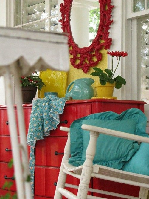 Turquoise, yellow and red: Colors Combos, Kitchens Colors, Red Mirror, Red Turquoise, Colors Combinations, Colors Schemes, Red Dressers, Rooms Colors, Bright Colors