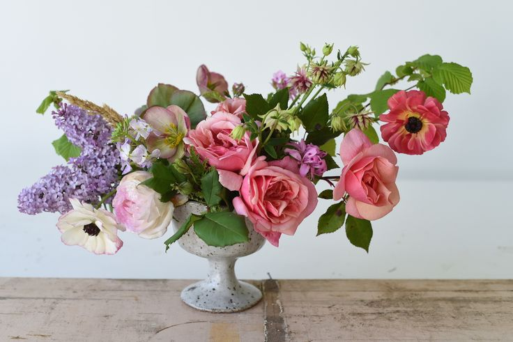 Ranunculus, Columbine, Roses, pink, Spring flowers, centrepiece, table flowers, October Wedding