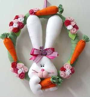Guirlanda de páscoa...wreath with bunny and carrots and flowers